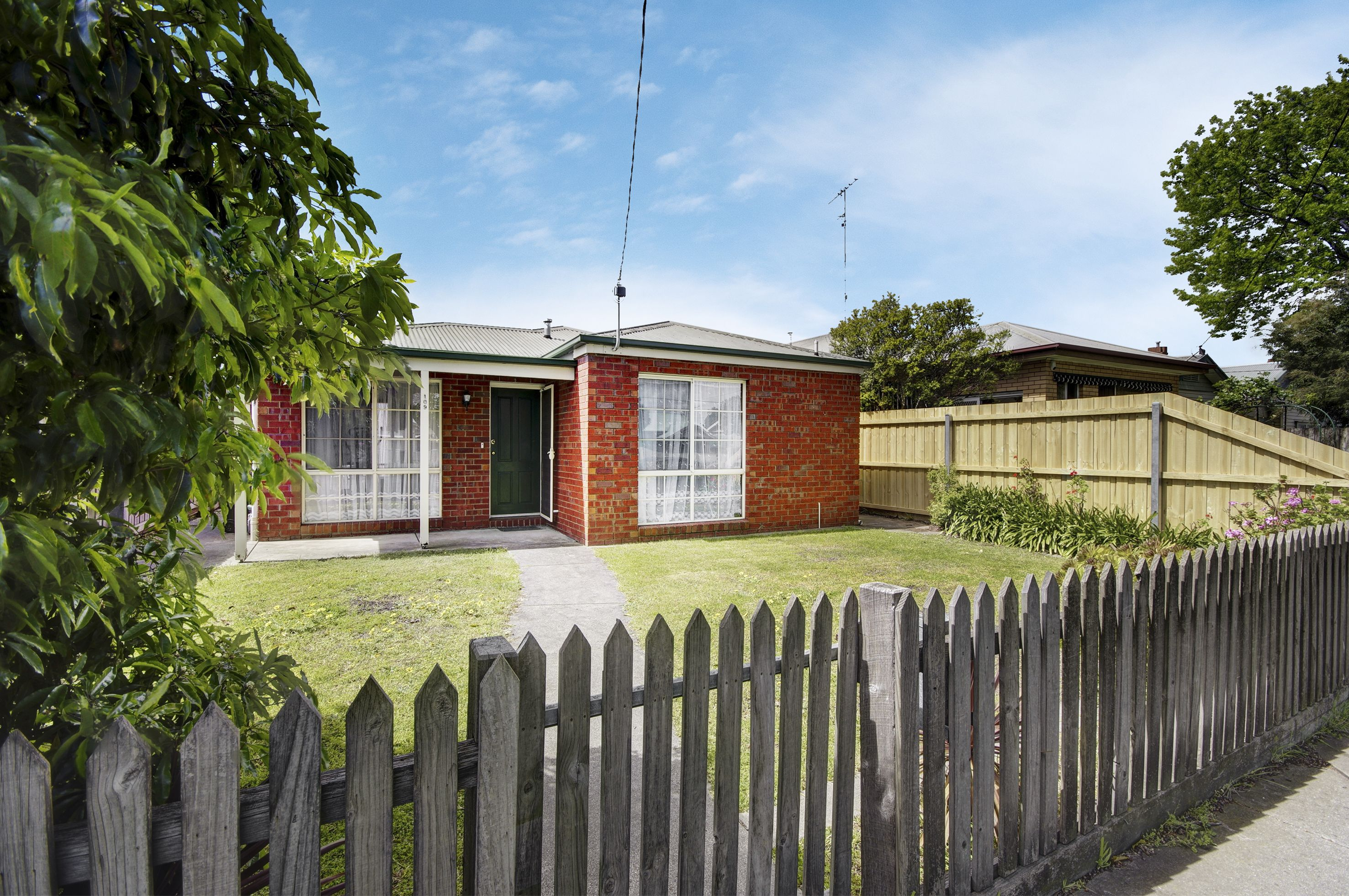 109 Ormond Road</br>East Geelong