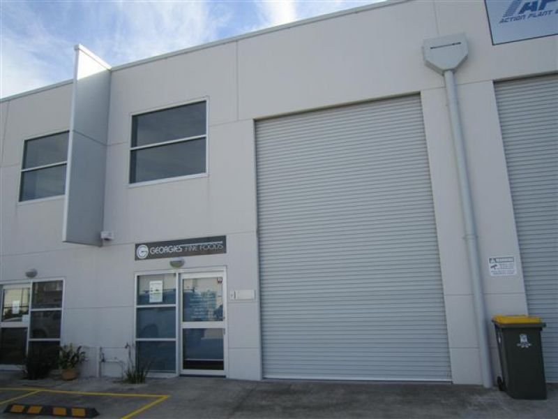 INDUSTRIAL UNIT CLOSE TO NEWCASTLE