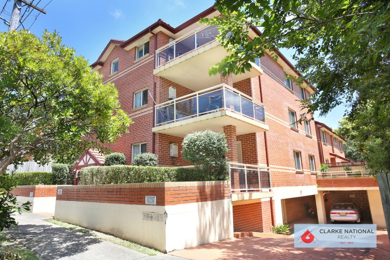 LARGE APARTMENT IN IDEAL LOCATION
