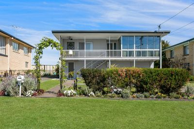 STYLISH DUAL OCCUPANCY HOME IN POPULAR RACEVIEW POCKET