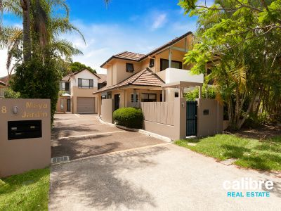 Large Townhouse in Taringa - Plenty of Space and Style