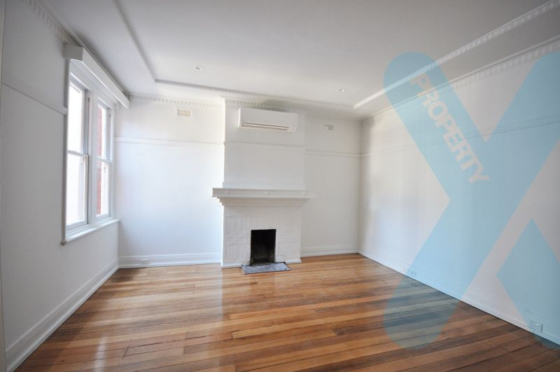 One Bedroom Art Deco Apartment!