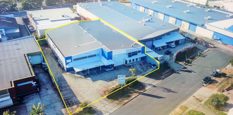 1573m2 Freestanding Warehouse