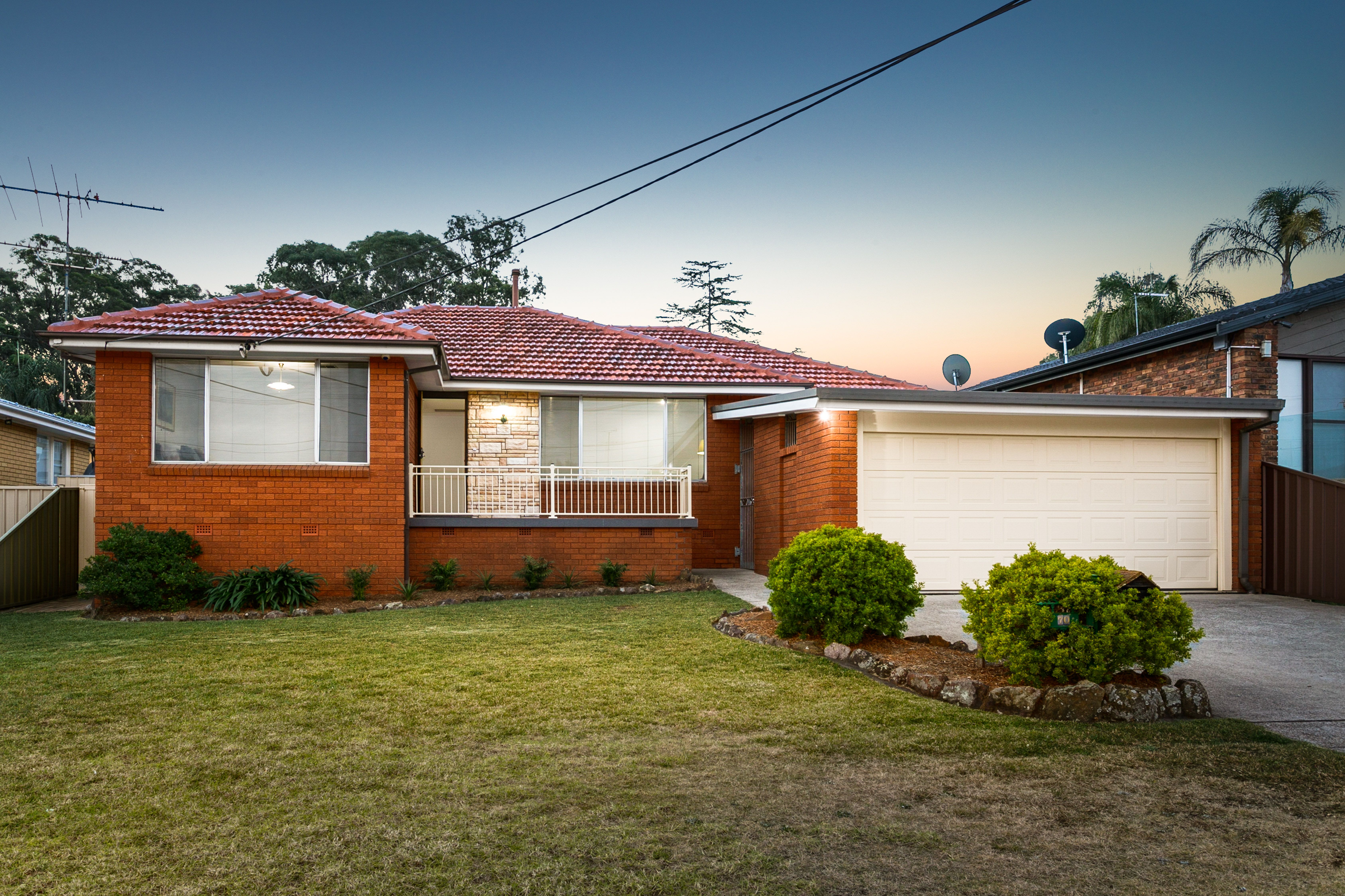 70 Caroline Crescent, Georges Hall NSW 2198