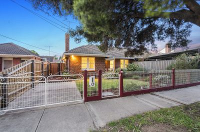 Stylish, ambient three bedroom family home
