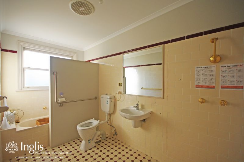 BEAUTIFUL OFFICE OR MEDICAL SPACE IN CENTRAL CAMDEN AVAILABLE NOW!
