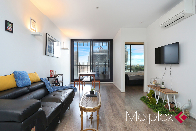 Luxury Living with Magnificent Views Over Albert Park Lake