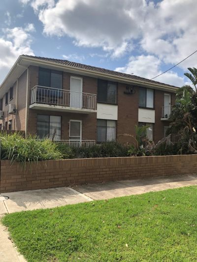 Lovely 1 bedroom unit close to the beach