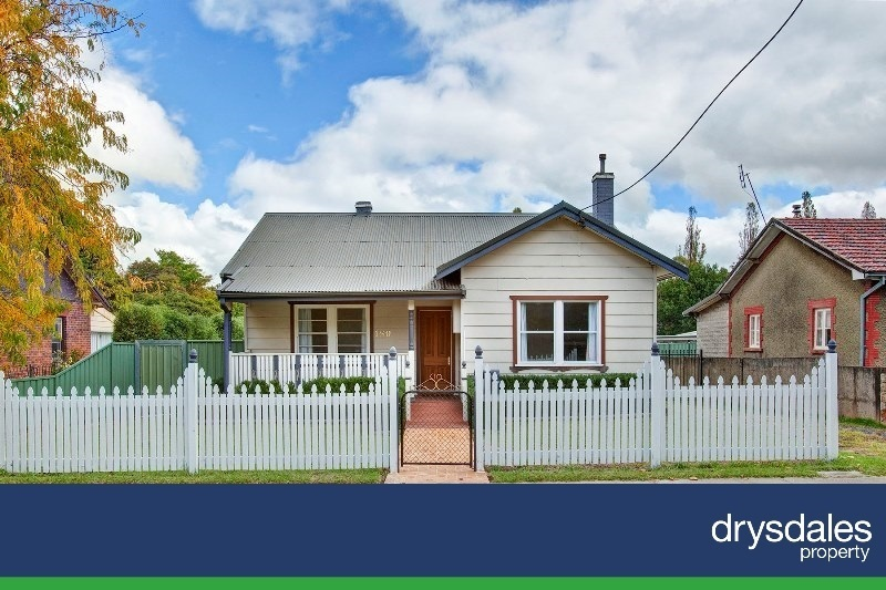 Charming Cottage close to Town