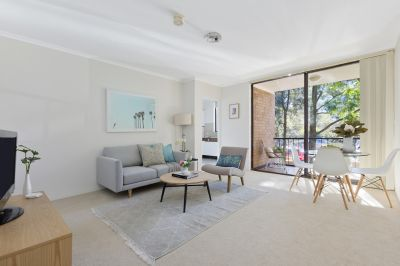Enviable Mosman Lifestyle in Sunny, North-Facing Apartment
