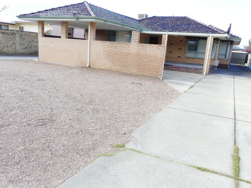 GREAT LOCATION PLEASANT FAMILY HOME