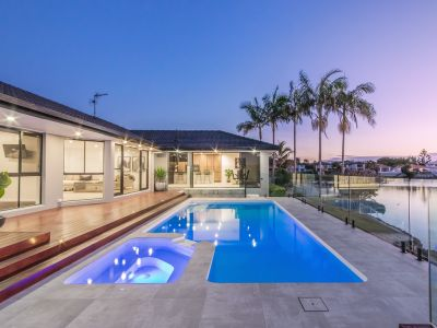 A MODERN WATERFRONT LIFESTYLE