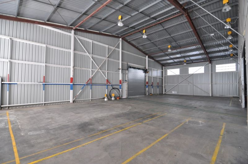 High Clearance Warehouse in Garbutt