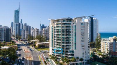 King-sized Beachside Apartment