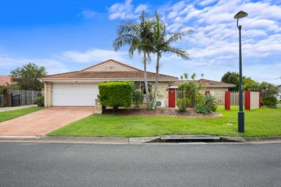 PRIME LOCATION!! Single Level Duplex REDUCED TO SELL