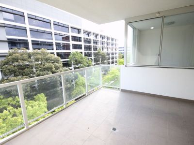 Spacious Two Bedroom Unit with Double Parking