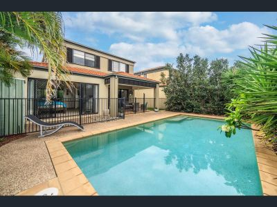 Stunning 4 Bedroom Home in 'Pearl Bay' Estate