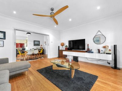 HUGE 98 sqm Funky Apartment in the Heart of New Farm (WATER INCLUDED & PET FRIENDLY)