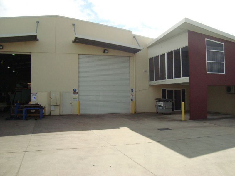 Quality Warehouse with Offices