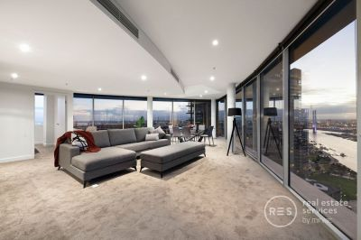 Sub-penthouse stunner with exceptional views and amazing space