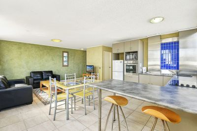 RARE JEWEL! LOCATED ON THE ESPLANADE SURFERS PARADISE!