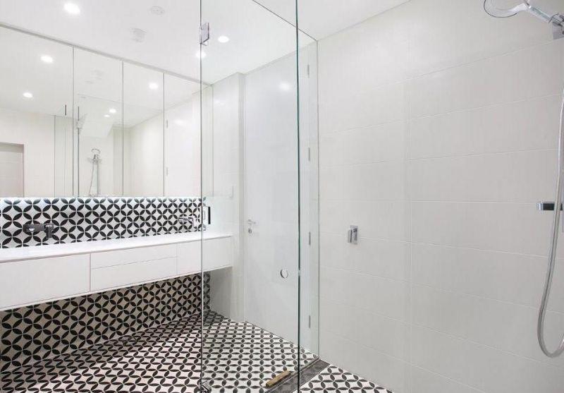 Superior Ground Floor / Showroom