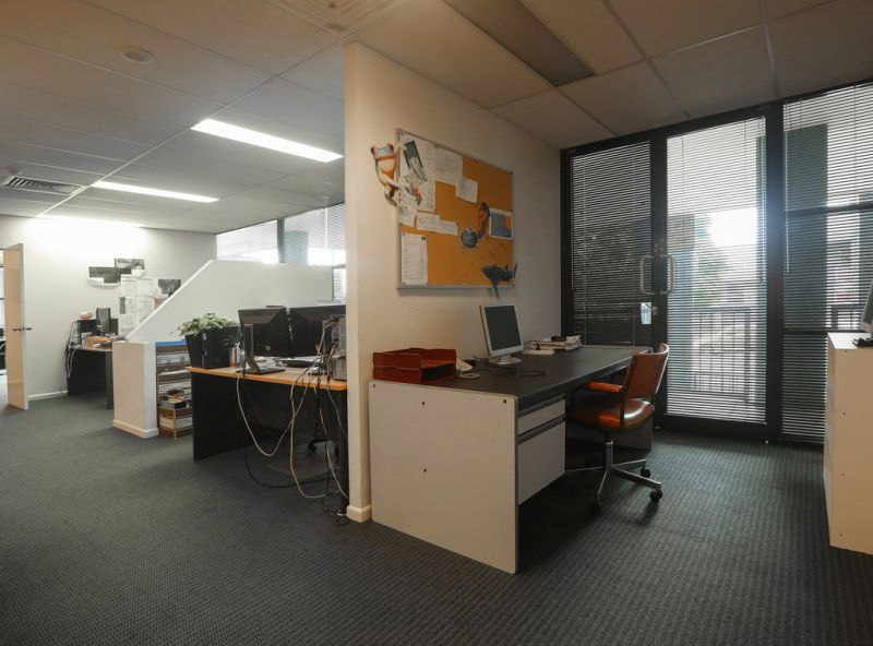 189m2* Office Suite - Motivated Seller, Must Be Sold!