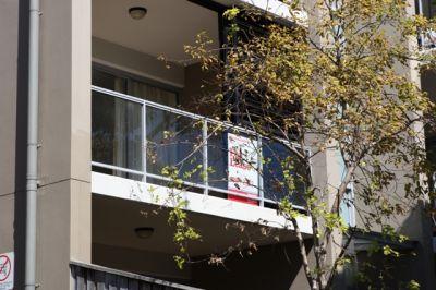 Central, Modern & Leafy 2 Bedder