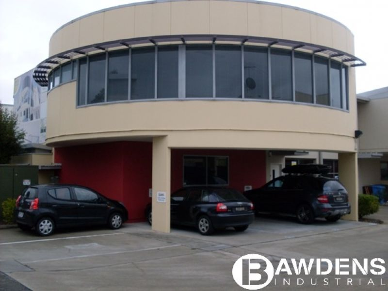Quality Office Space With Ground Floor Showroom / Office.
