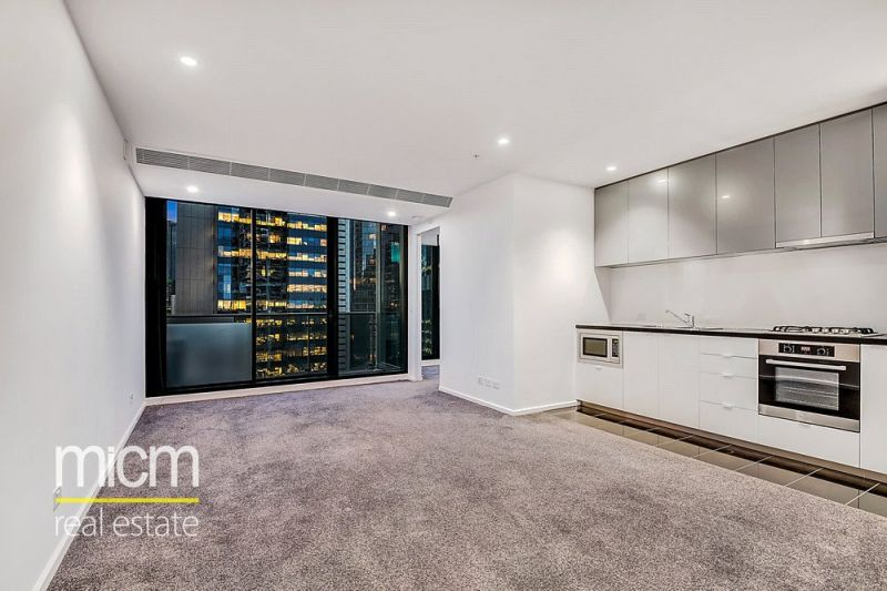 Southbank Grand: Superb Two Bedroom Apartment on the 30th Floor!