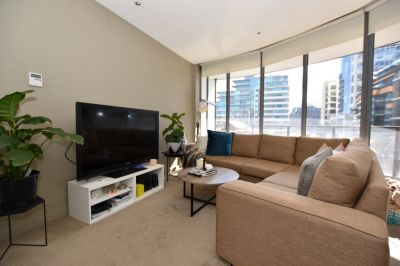 UNFURNISHED - Spacious One Bedroom Home with Large Wrap Around Balcony!