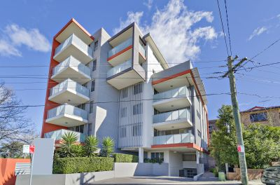 As New 109sqm Contemporary Apartment.  <B>Price Guide $625,000-$675,000.  </B>