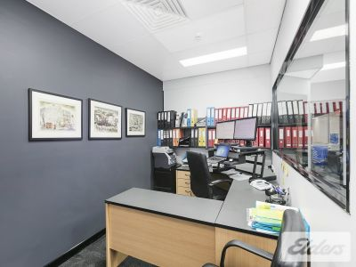 RARE OFFICE/MEDICAL SUITE - PRIME LOCATION!