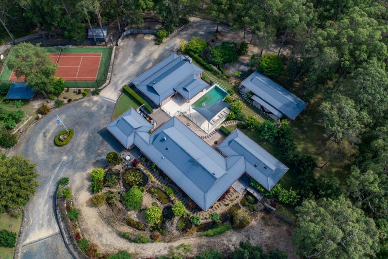 Luxury Oasis Minutes from Hungry Head Beach