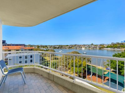 LIFESTYLE & LOCATION IN THE HEART OF NEW FARM