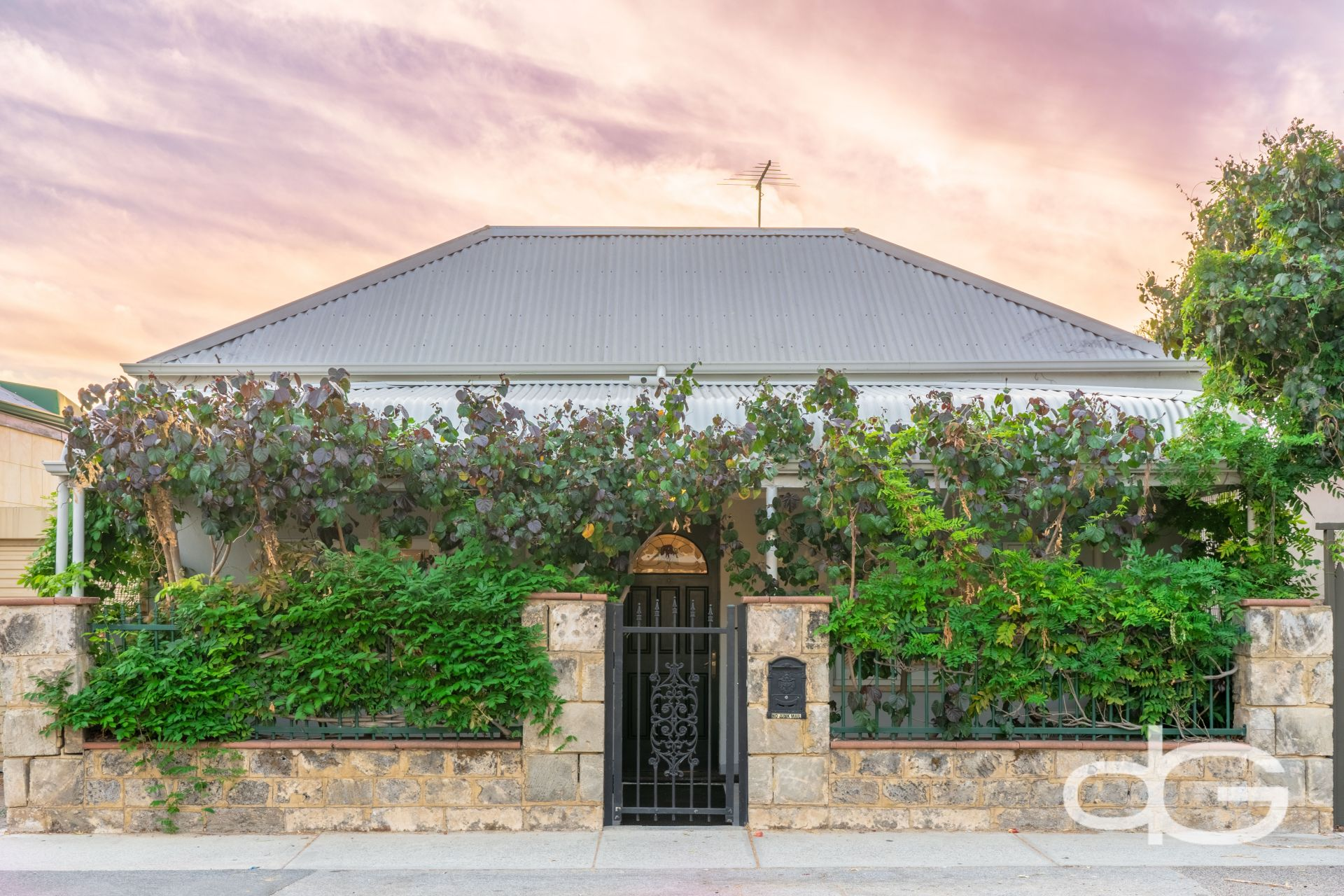 157 Hampton Road, South Fremantle