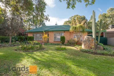 Wonderful Opportunity on a Gorgeous Creek Setting with 22.9 meter frontage.