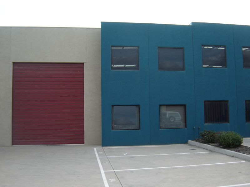 MODERN WAREHOUSE/OFFICE IN HIGHLY SOUGHT-AFTER ESTATE!