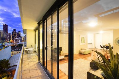 Unfurnished  Modern 2 Bedroom Home in the 'Metro Apartments'!