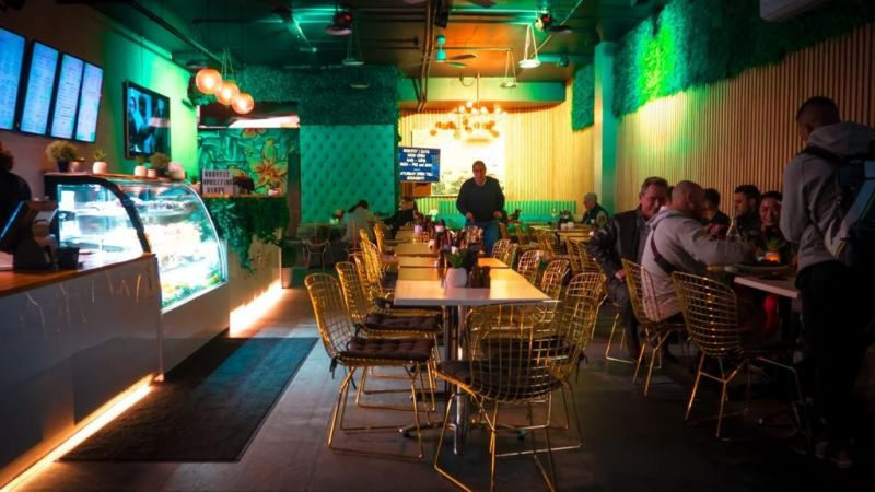 Aesthetically pleasing, Vibrant and Busy Cafe for Sale!