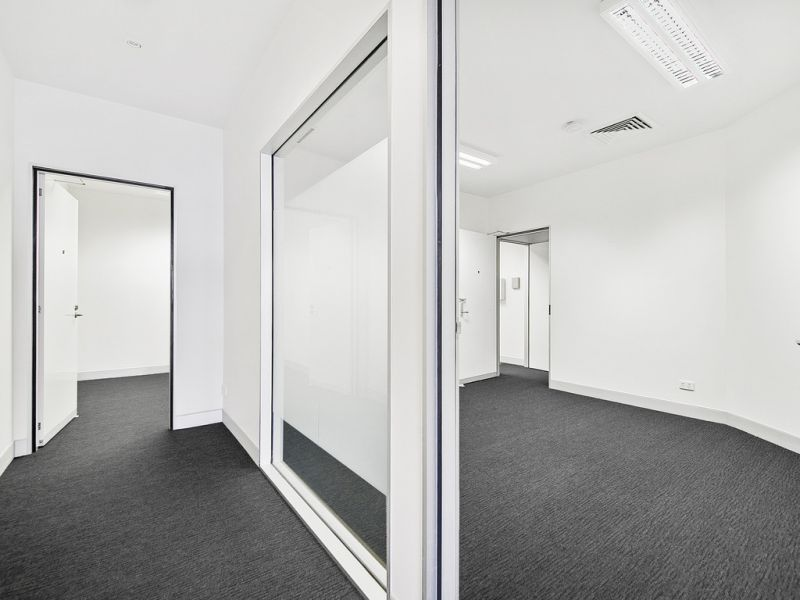 Modern Ground Floor Office / Medical in Cannon Hill Shopping Centre Precinct