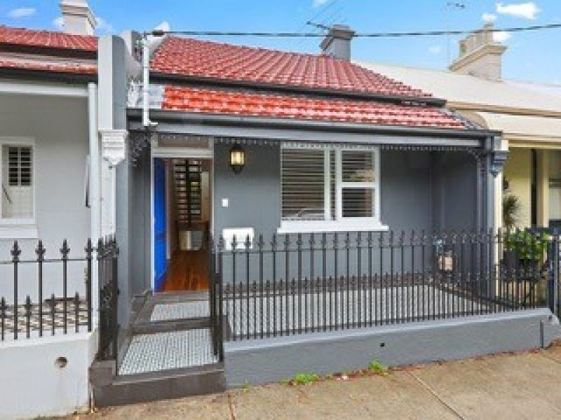 ***DEPOSIT TAKEN*** LEASED ON FIRST OPEN - DECEPTIVELY SPACIOUS 4 BEDROOM, 3 BATHROOM HOUSE