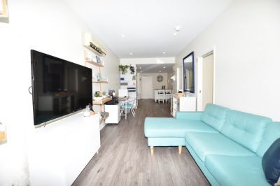 Port Melbourne: Stunning Fully Furnished One Bedroom Apartment With Your Own Large Terrace in a Fabulous Location! 6 Months Preferred.