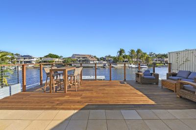 Waterfront Entertainer - 19m* - Fully Self Contained Flat