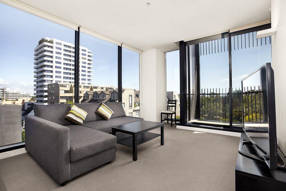 Spacious 2 Bedroom 2 Bathroom on the 5th floor - Quality City lifestyle!