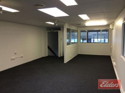 AFFORDABLE OFFICE/WAREHOUSE IN THE HEART OF BOWEN HILLS!
