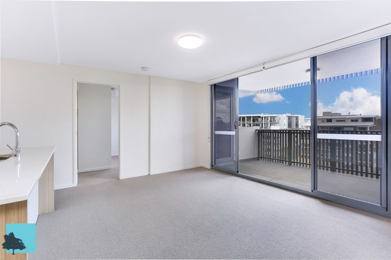 Modern 2 Bedroom Unit in Convenient Location!>