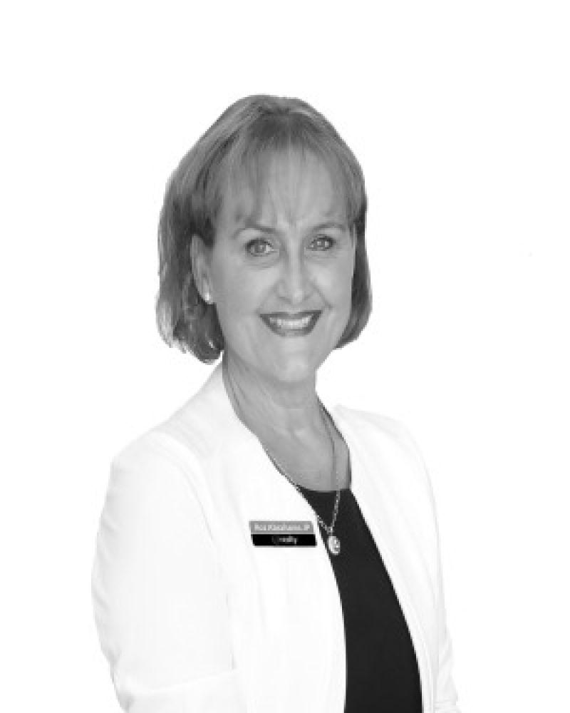 Roz Abrahams Real Estate Agent