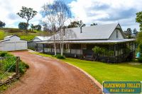 Grand Queenslander with Granny Flat