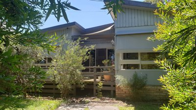 Light filled 3 BR Home on spacious 716m2 block: Suit Family or Investor/Landlord